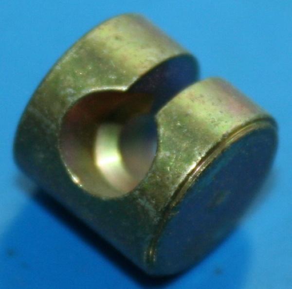 Aufnahme Brems/Kuppl.Zug 12mm Loch 6mm