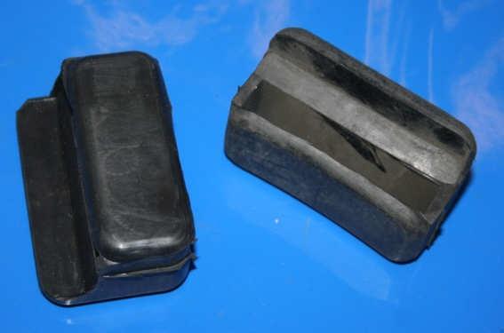 Auflagegummi Reserveradhalter TR500 3x erforderlich