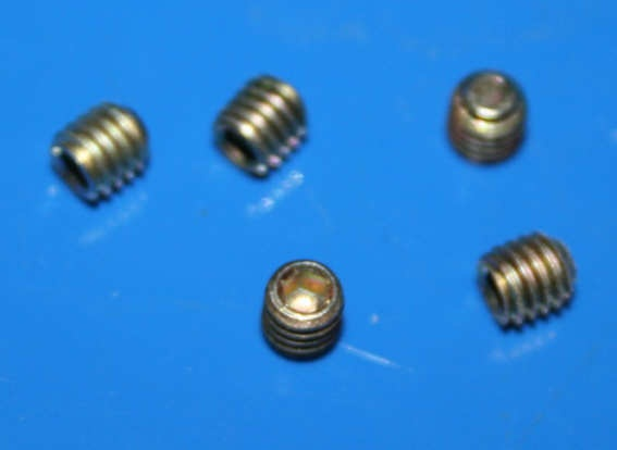 Madenschraube im Speichennippel R100GS/R R1100 R1150 R1200