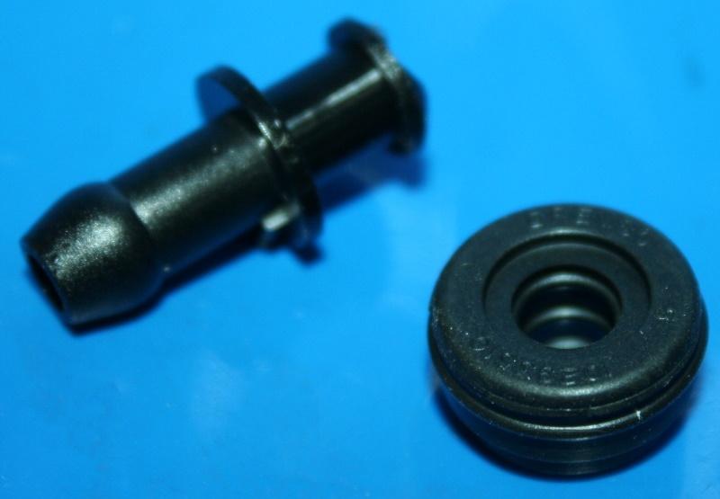 Schlauchanschluss Bremszylinder hinten R100 gerade m.Gummi